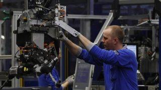 Emploi: l'évolution du monde du travail a saigné les ouvriers depuis 1982